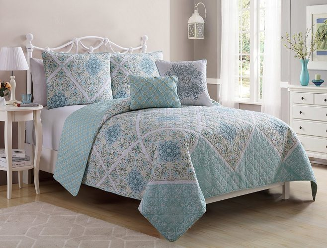 VCNY HOME Windsor Polyester Quilt Set