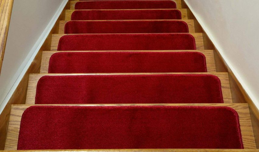 Comfy Collection Stair Tread Treads Indoor Skid Slip Resistant Carpet Stair Tread Treads Machine Washable 8 ½ inch x 30 inch (Set of 7, Red)