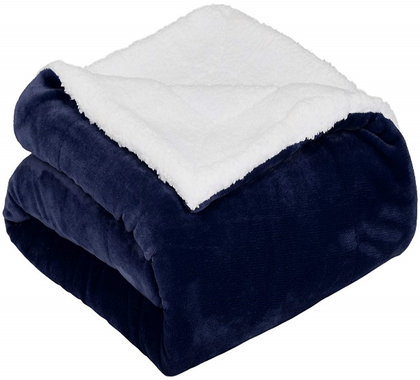 AmazonBasics Soft Micromink Sherpa Blanket - Throw, Navy Blue- Fleece Blankets
